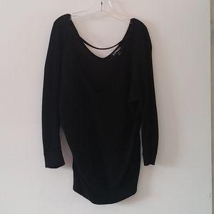 Black loose top